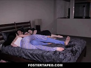 Hot Young Teen Quicken Fake Daughter Grounding Fucked Wits Dad While Nourisher Is Sleeping